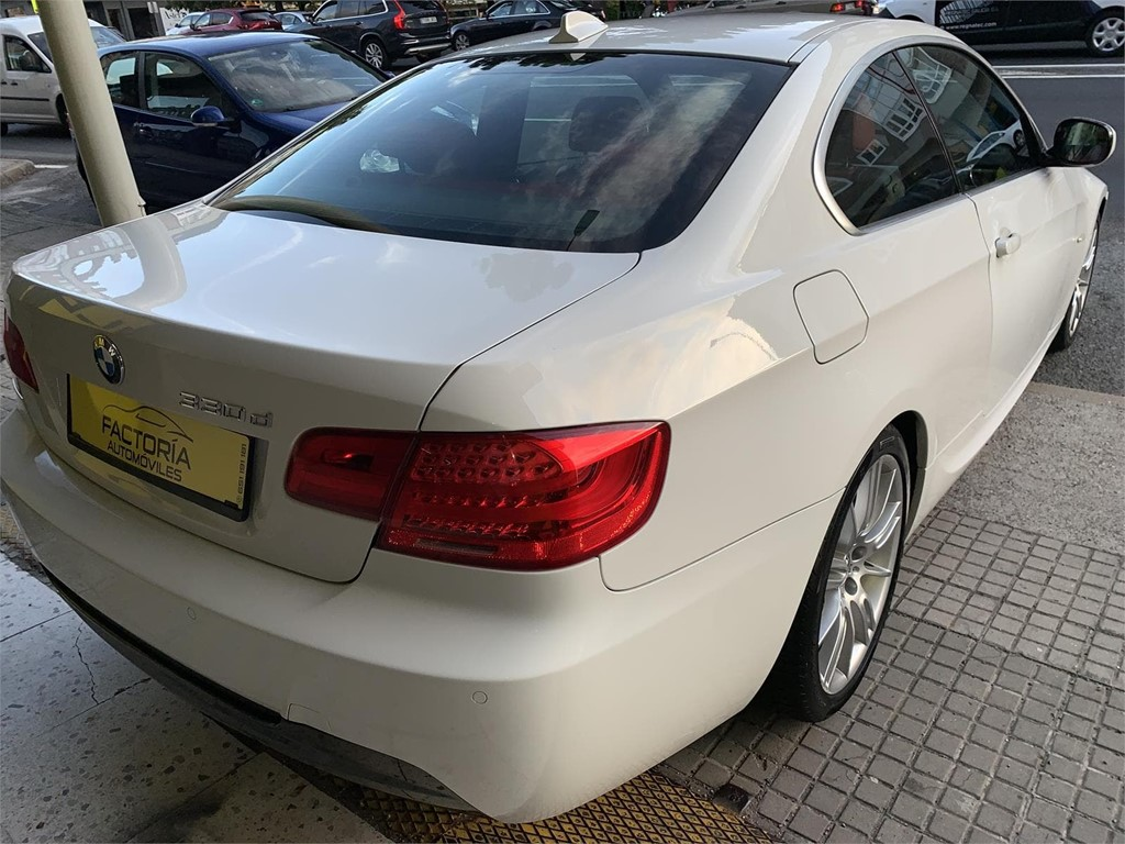 Foto 22 BMW 330d COUPE