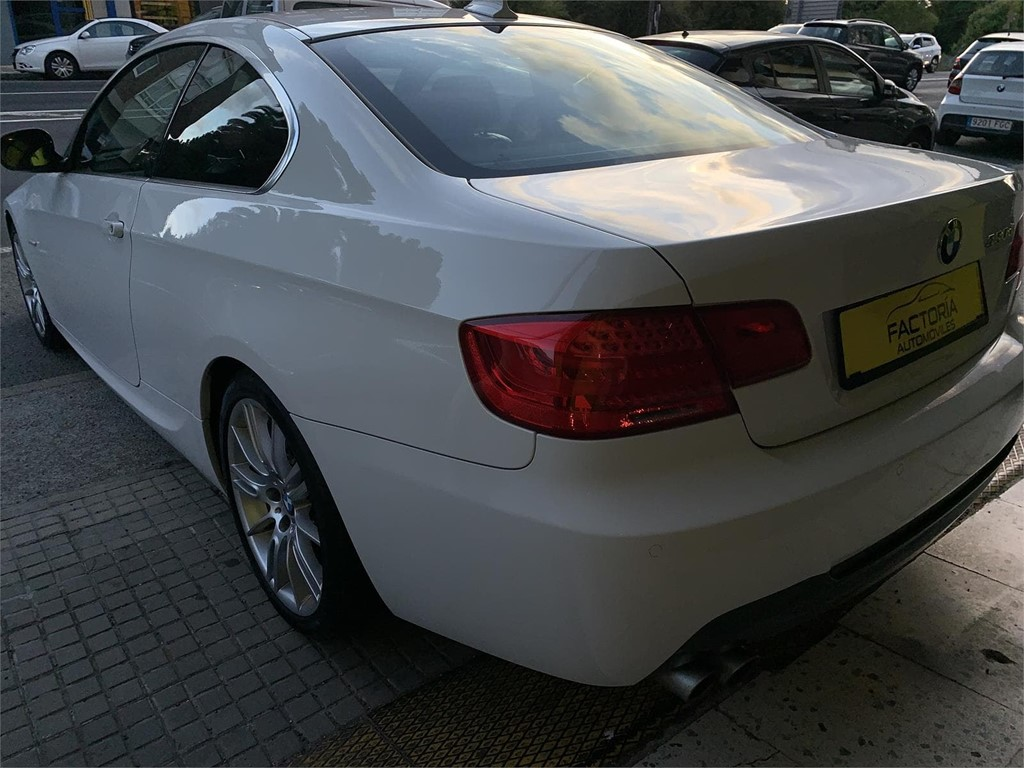 Foto 23 BMW 330d COUPE