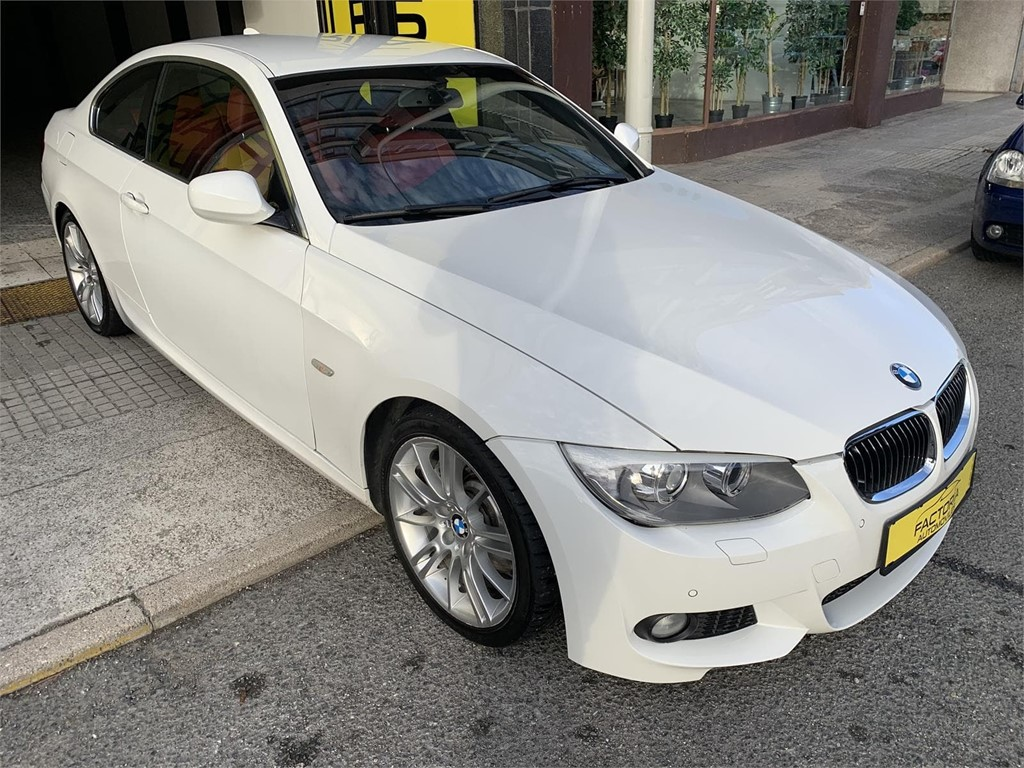 Foto 2 BMW 330d COUPE