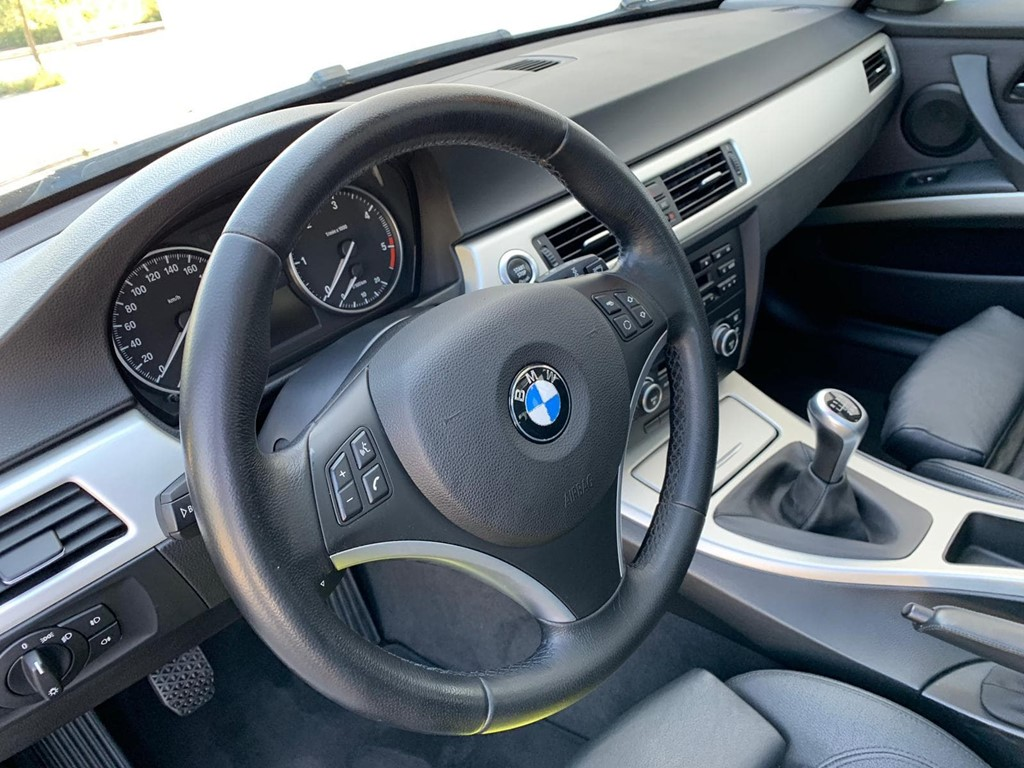 Foto 11 BMW Serie 3 320D Touring