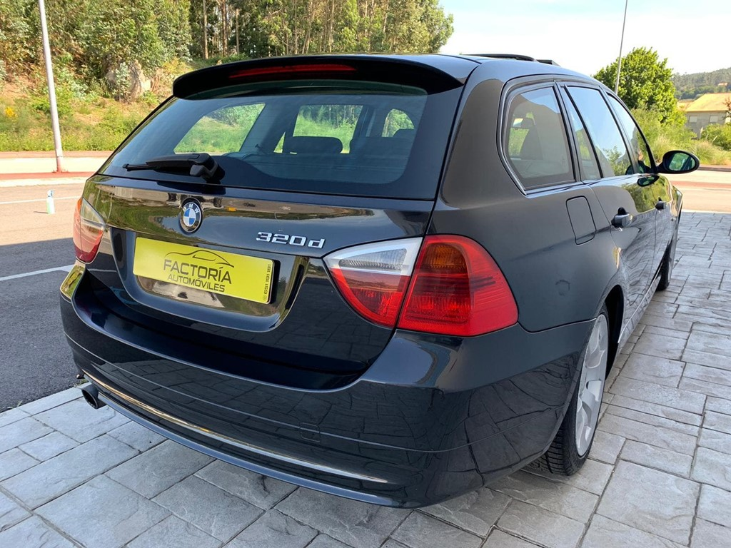 Foto 20 BMW Serie 3 320D Touring