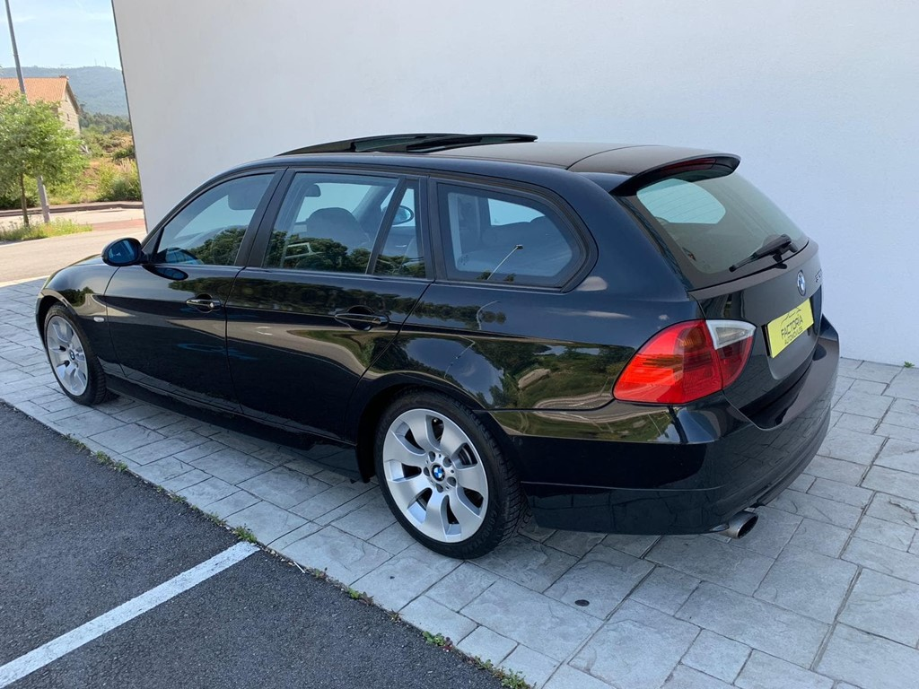 Foto 2 BMW Serie 3 320D Touring