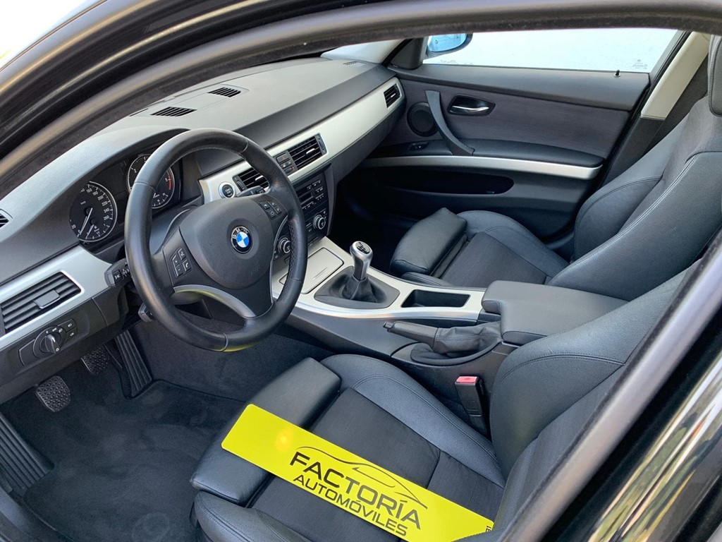 Foto 3 BMW Serie 3 320D Touring