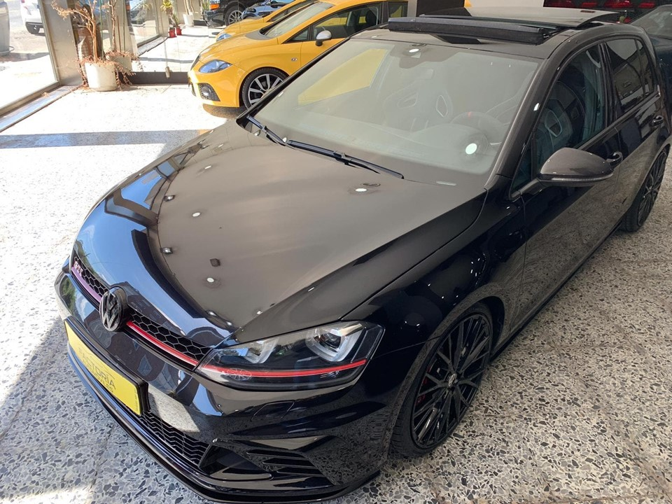 VOLSKWAGEN GOLF GTI CLUBSPORT
